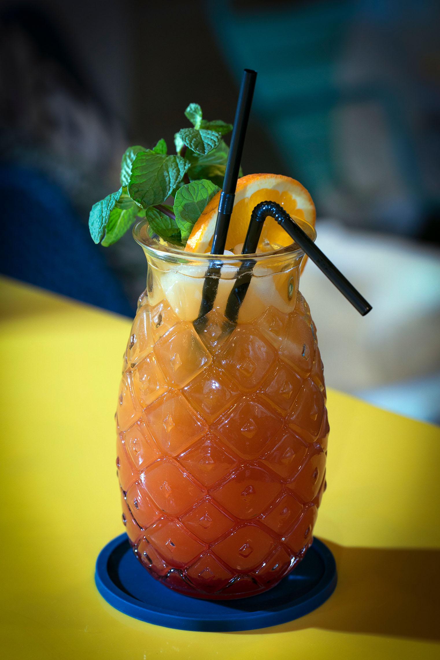 hampton-by-hilton-paris-clichy-bar-cocktail-1
