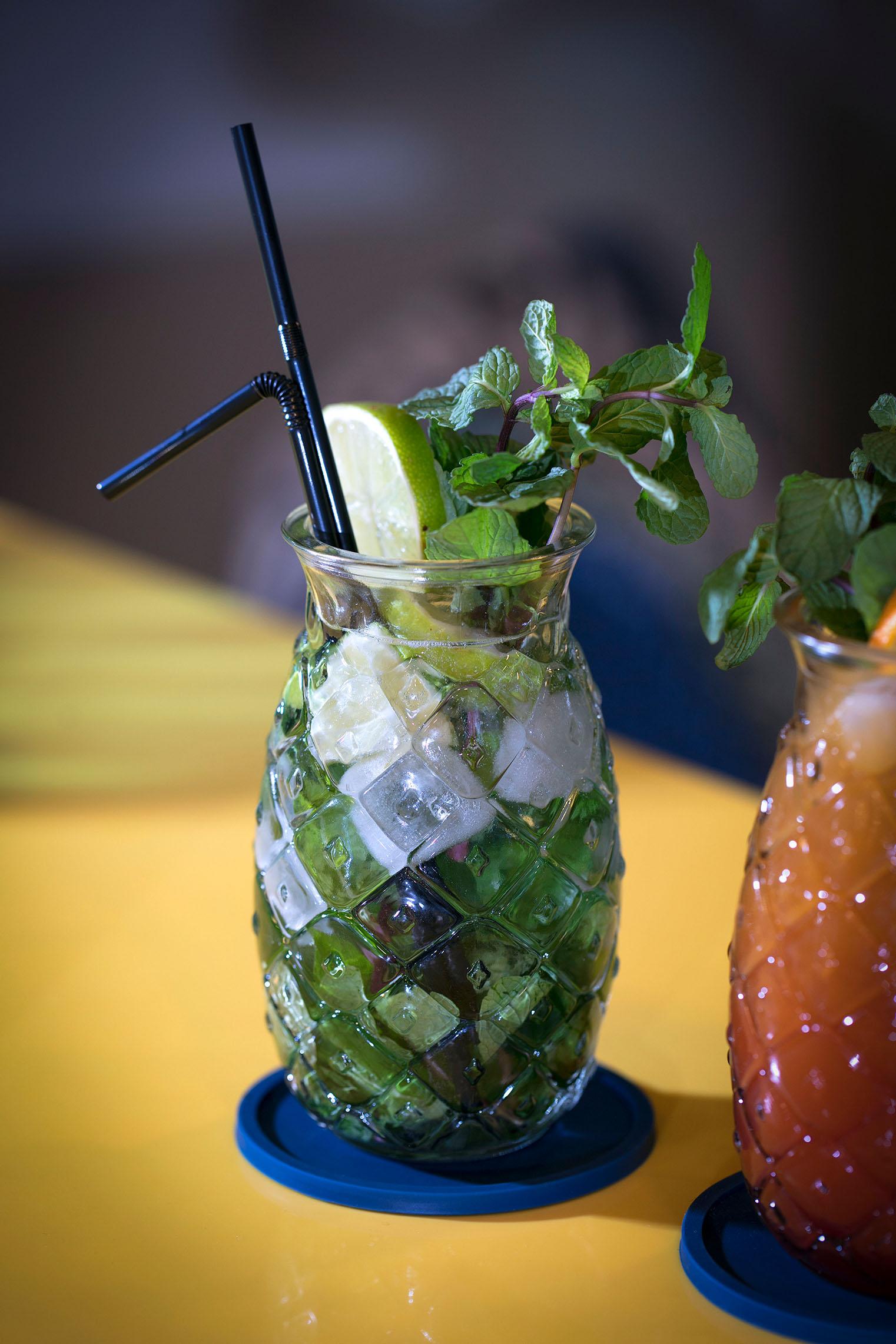 hampton-by-hilton-paris-clichy-bar-cocktail-2